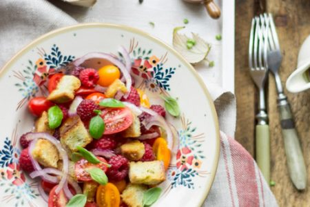 salatka malinowo pomidorowa
