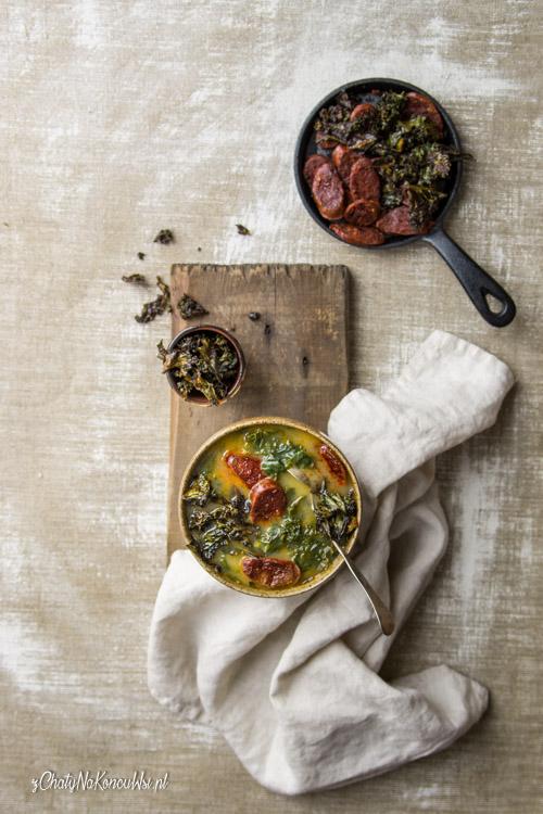 prosta zupa z jarmużem